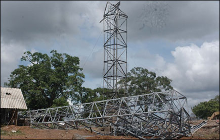 Kilinochchi's destroyed telecommunication tower Nov 2007