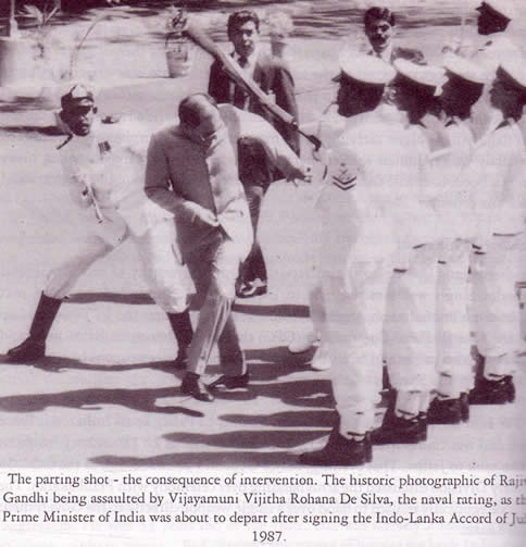 Rajiv Gandhi assaulted 1987 by Sri Lankan sailor